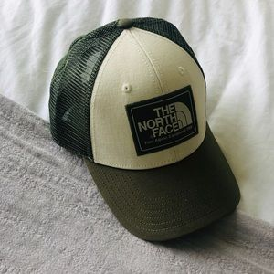 THE NORTH FACE Army Green Trucker SnapBack